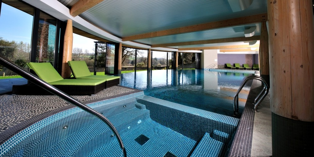 Luxury self catering woodland holiday homes at the cornwall hotel spa and estate st austell for Hotels in cornwall with indoor swimming pool