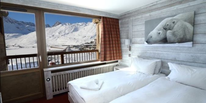 An All-Beginners Family Ski Holiday in Tignes in the French Alps