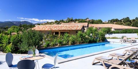 The central pool area at Alto di Pinarello.
