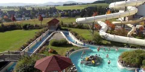 The outdoor pool at Center Parcs Hochsauerland.