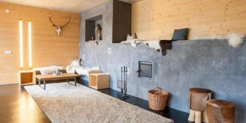 Stylish interior of Aparthotel Refugio Laudegg.