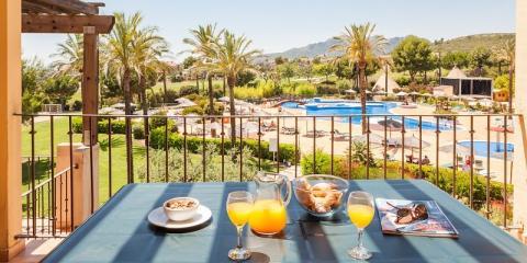 View of the pool at Pierre & Vacances Holiday Village Bonavista de Bonmont.