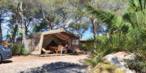 Safari tent at Park Playa Bara Campsite.