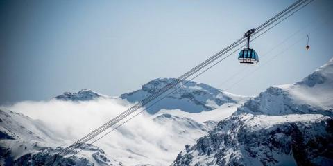 Skiing in L'Espace Killy
