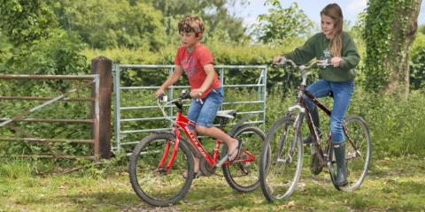 Cycling around Gambledown Farm.