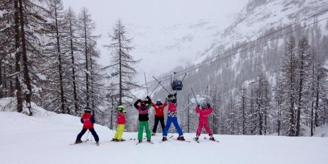 Esprit kids' club on the slopes in Champoluc.