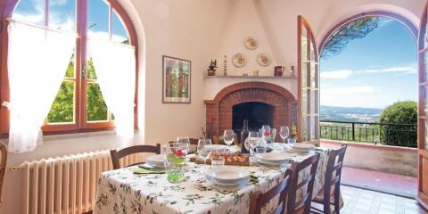 Kitchen in the Tavarnelle Val di Pesa holiday home.