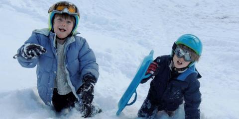 Children sledging ©