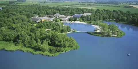 View of the lake at Center Parcs Huttenheugte