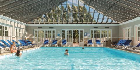 Indoor pool at Pierre & Vacances Residence Jardins de la Côte d'Opale.