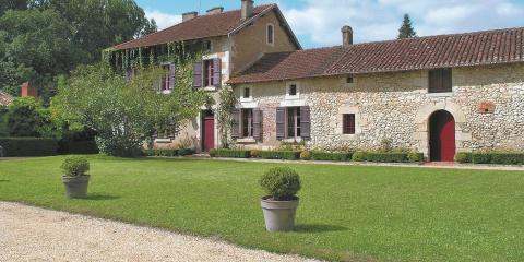 One of many family-friendly cottage in Dordogne and Lot.